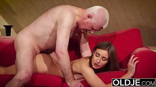 Girl gives grandpa hard erection, now fucks him