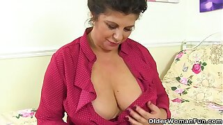 Busty matured BBW Shooting Star dildos will not hear of hot cunt