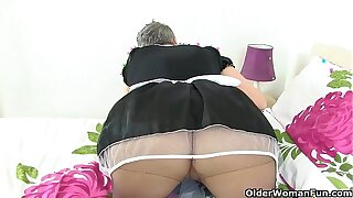 Over 60 Sensual Caroline's sex avidity is motionless going strong